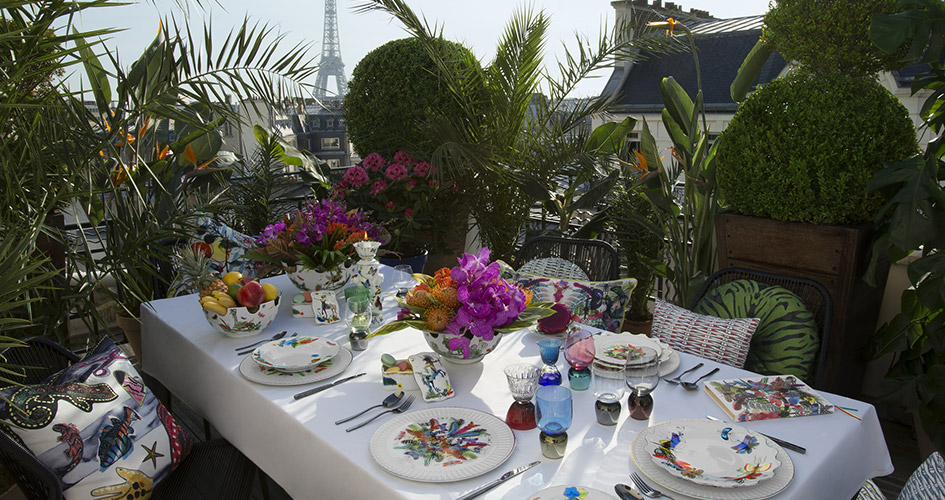 Letni stół pełen barw