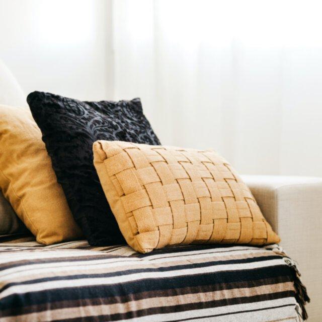 Jak dobrać zestaw poduszek dekoracyjnych?