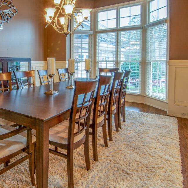 Jak wybrać dywan do jadalni?