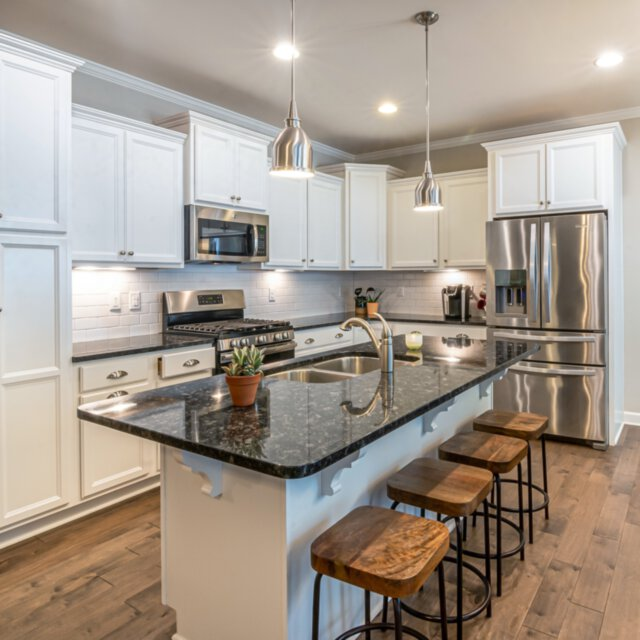 Lampy w kuchni – jakie oświetlenie wybrać?